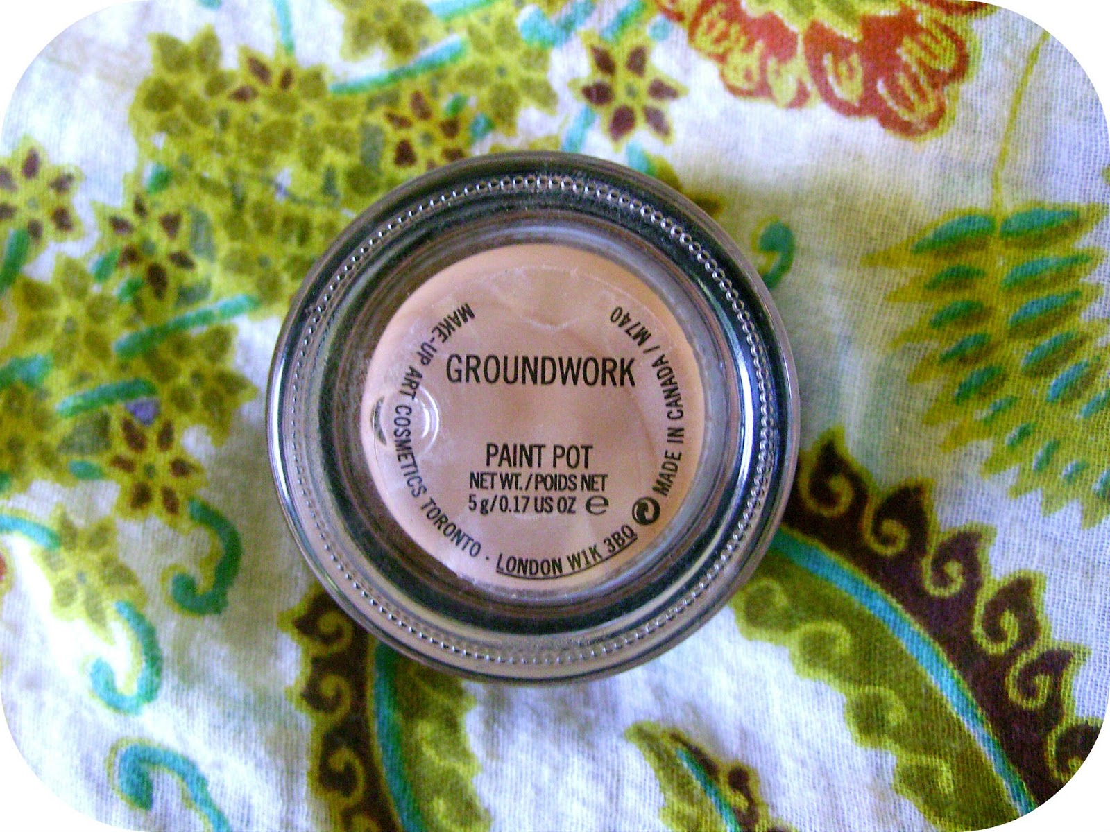 Review mac paintpot in groundwork mirror on the wall for Mac paint pot groundwork