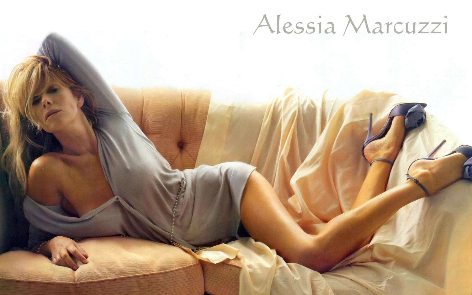 Alessia Marcuzzi Wallpaper