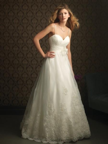 vestidos de novia baratas: Impresionante vestido de boda de Alquiler