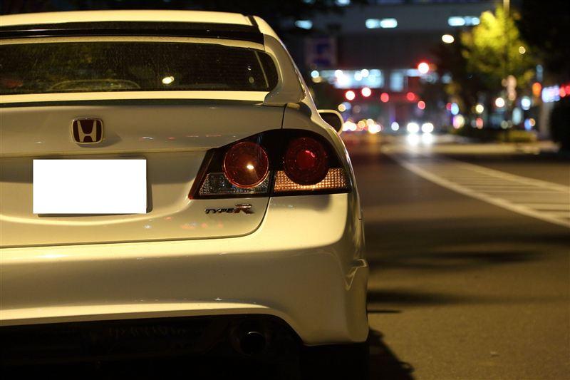 Honda Civic Type R FD2, nocna fotografia, samochody nocą, auta po zmroku, wieczorem, mrok, japońskie, motoryzacja, JDM, tuning, zdjęcia, photos, at night, cars, photography, 夜間撮影