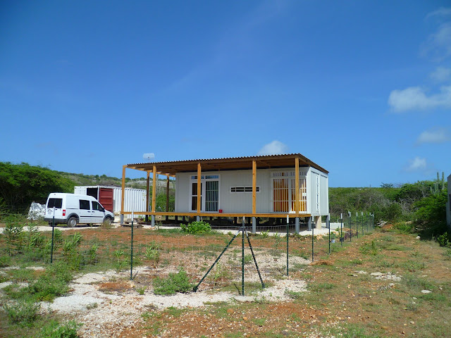 Shipping container homes criens trimo bonaire caribbean shipping container home - Shipping container homes florida ...