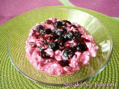 szybki ekspresowy deser dla dzieci zdrowy serek wiejski aronia twarożek
