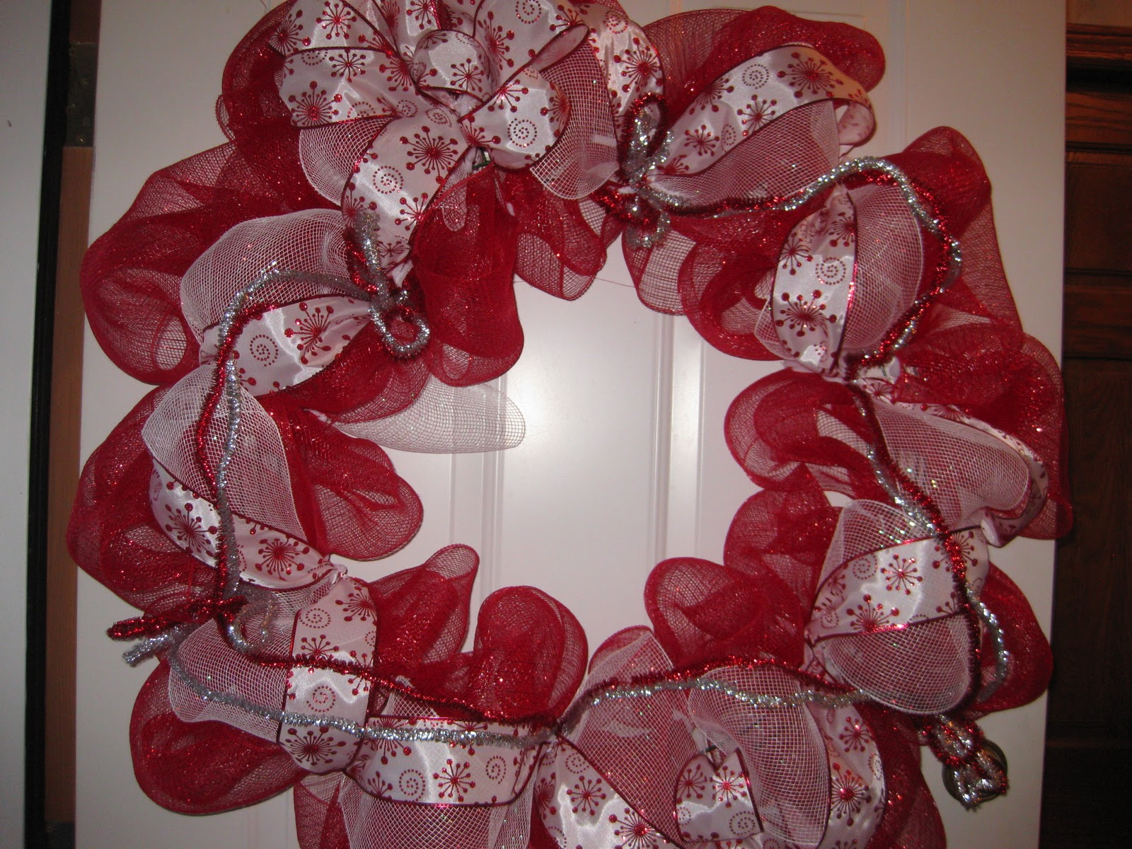 christmas wreath with deco mesh a video - Decorating A Christmas Wreath With Mesh Ribbon