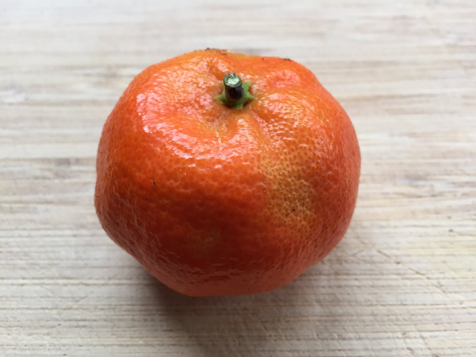Tangors Are A Hybrid Of Mandarin And Sweet Orange Hence The Name Tang Tangerine Or Fruit Is Medium Large
