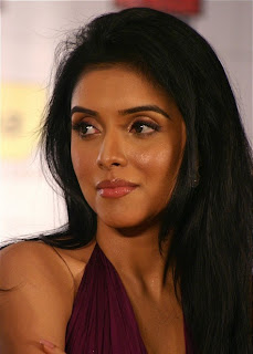 Asin Spotted in a Beautiful gown at Idea Event Super Sizzling Asin