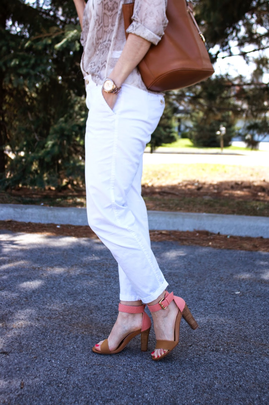 boyfriend chinos, dress sandals, spring style, chinese laundry