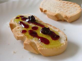 Desayuno de Iago: Tostadas con miel y mermelada