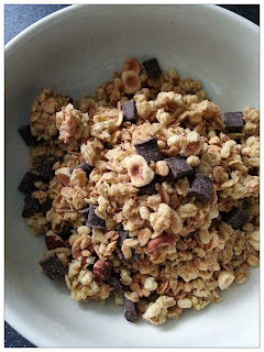 Kelloggs Crunchy Nut Glorious Oat Granola with Chocolate and Hazelnut