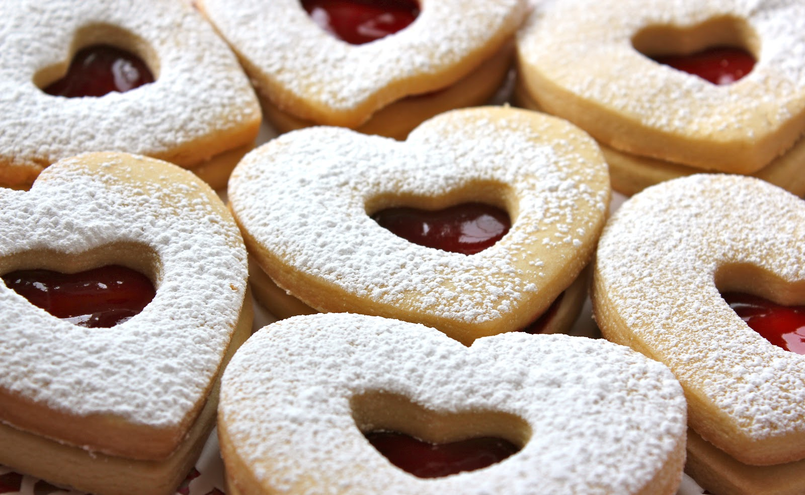Chelsea's Choice: Raspberry Almond Linzer Cookies
