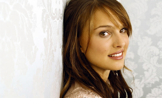 Natalie Portman Beautiful Hollywood Actress Latest Wallpaper
