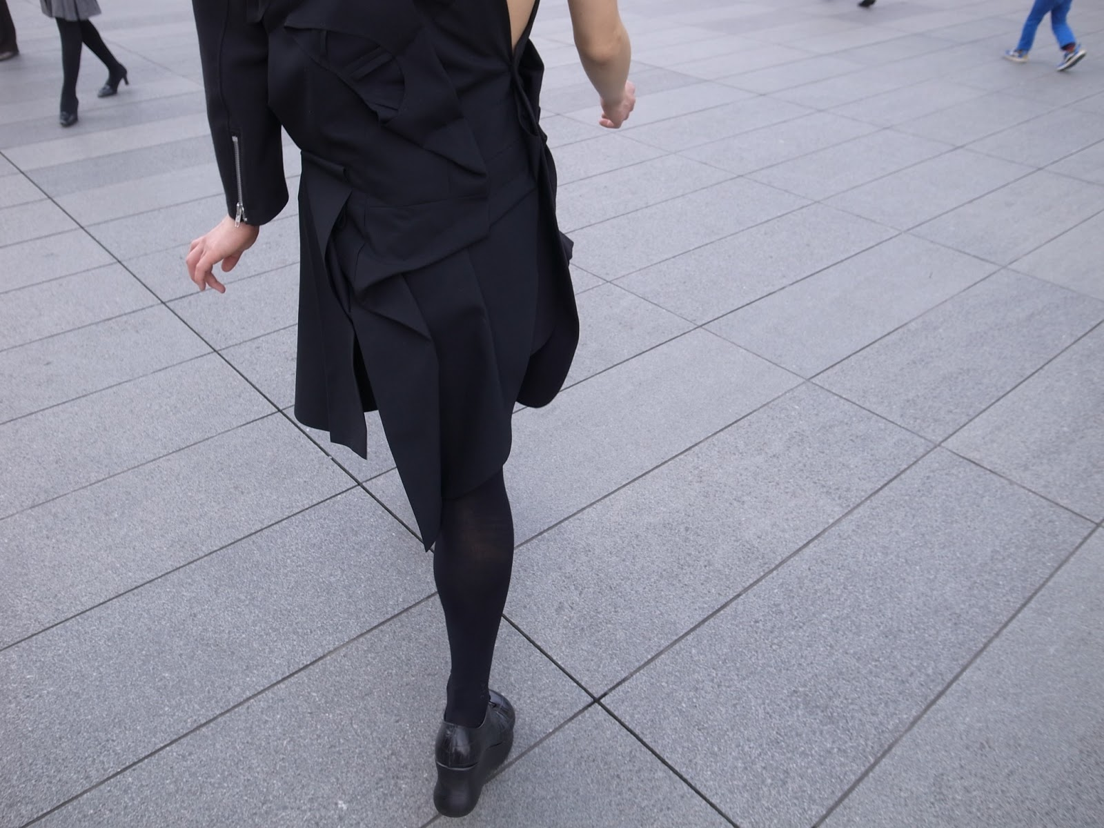 Jacket : COMME des GARÇONS (2013 SS) Pants : Junya Watanabe COMME des GARÇONS Shoes : COMME des GARÇONS (2013 SS)