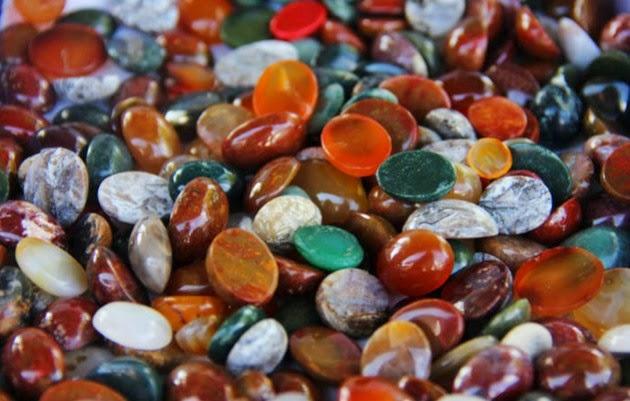 Jenis  Batu Cincin akik dan Hasiatnya