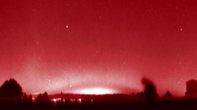 Un arc lumineux rouge aperçu dans toute l'Europe : HAARP ??? - 9 Avril 2013 Red-arc1