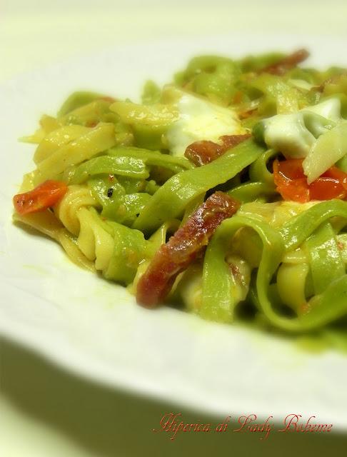 hiperica_lady_boheme_blog_cucina_ricette_gustose_facili_e_veloci_tagliatelle_paglia_e_fieno_con_fontina_2