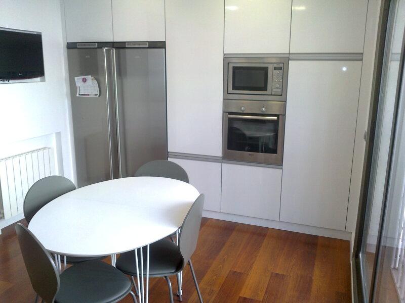 Ca uelo e hijos carpinteria s c p armarios de cocina - Cocina dentro de un armario ...