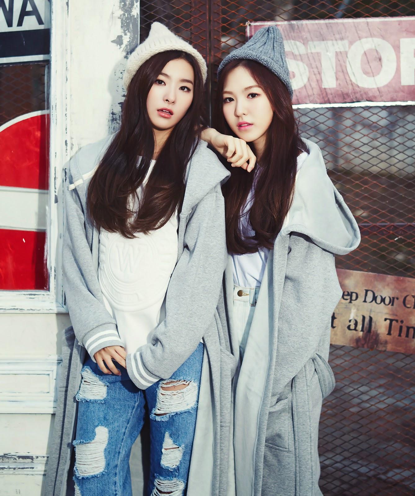 Seulgi Wendy Red Velvet IZE& December 2014