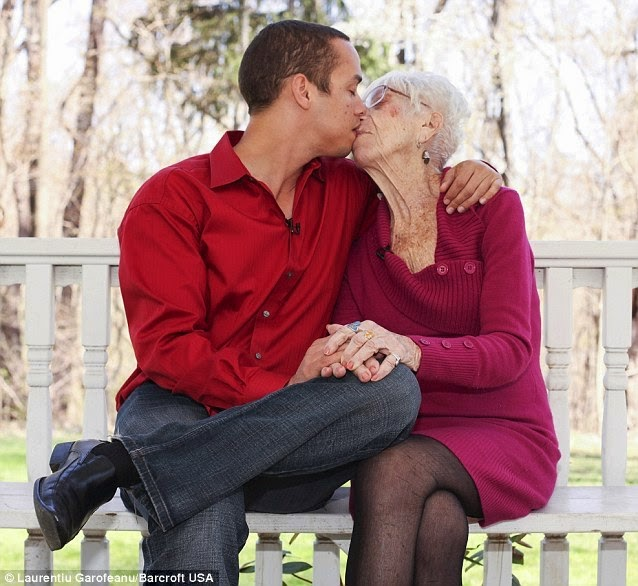91 year old woman dating a 31 year old man Warning: this post contains video and photos of a 31-year-old guy kissing a 91-year-old great-grandmother.
