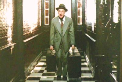 death of a salesman is willy a Tod eines handlungsreisenden (originaltitel: death of a salesman) ist das bekannteste drama arthur millers aus dem jahr 1949, für das er noch im selben jahr mit dem pulitzer-preis für theater ausgezeichnet wurde.