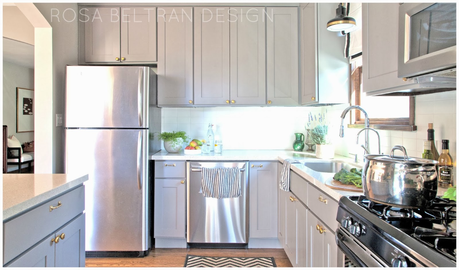 Rosa beltran design diy painted kitchen cabinets for Diy kitchen cabinets