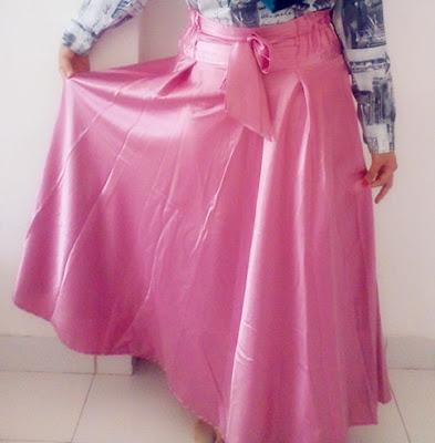 Model Rok Satin Panjang Polos Warna Pink