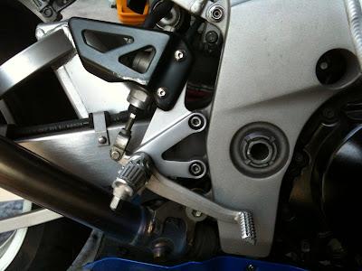 GSX-R1000・20002の純正ステップブレーキ側
