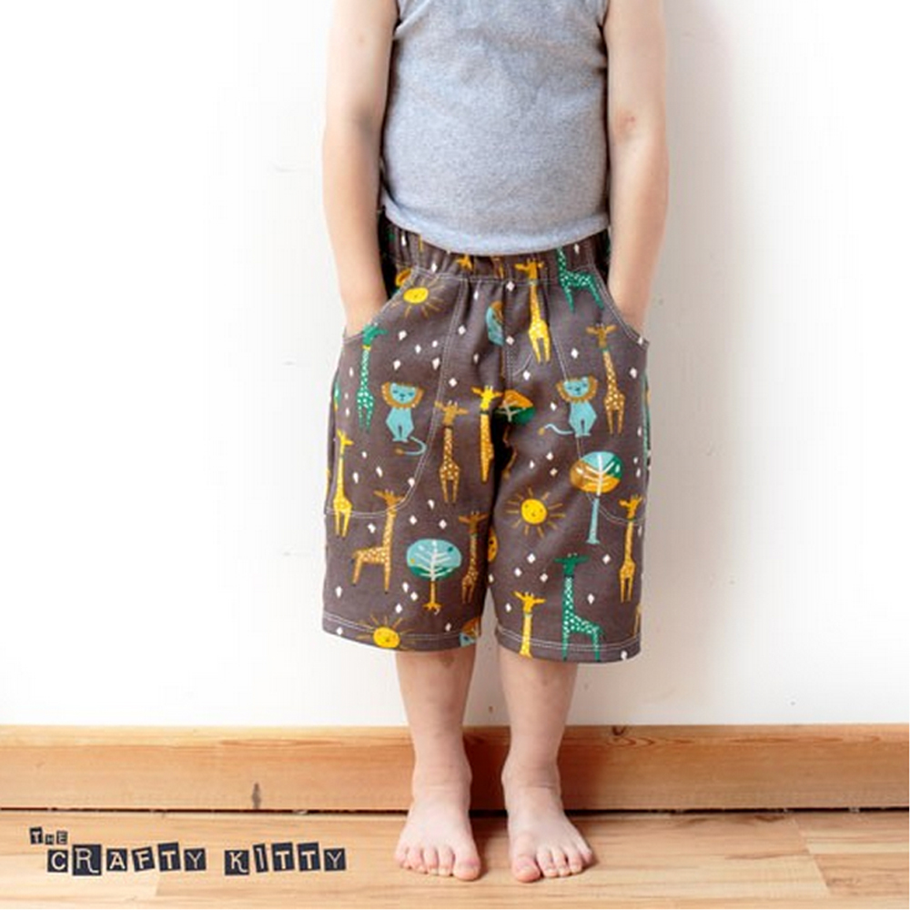Free Pattern | Kid's Knit Shorts