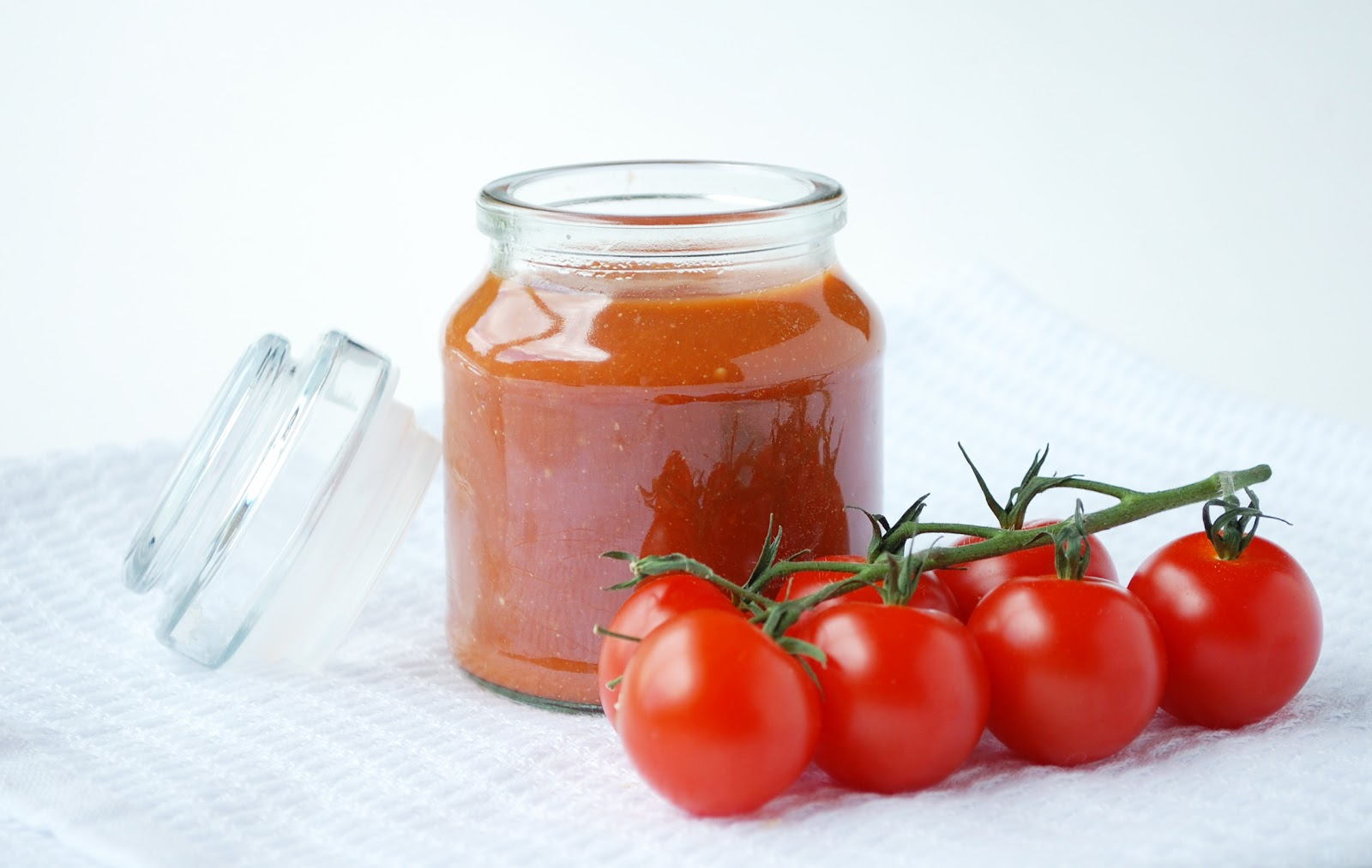 Tomato ketchup | including cake