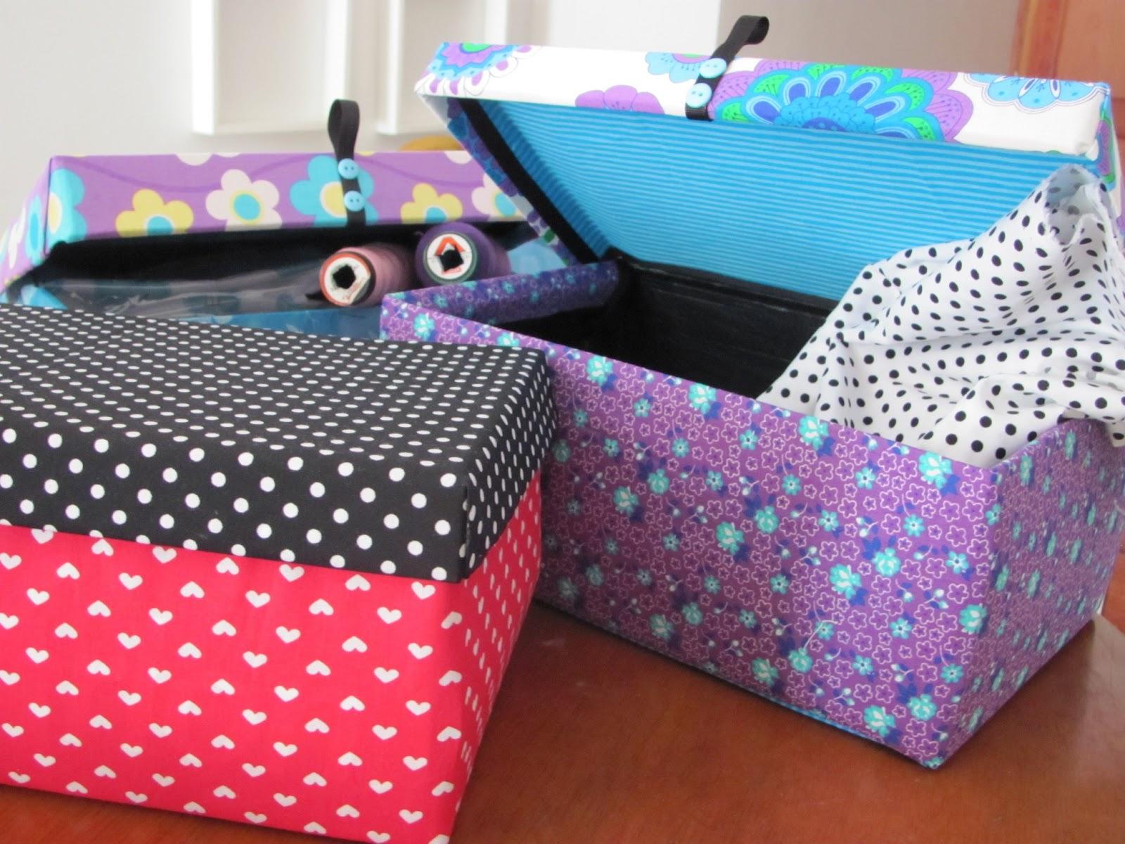 Mariagujas cajas decoradas con lindas telas listas for Decoracion de cajas