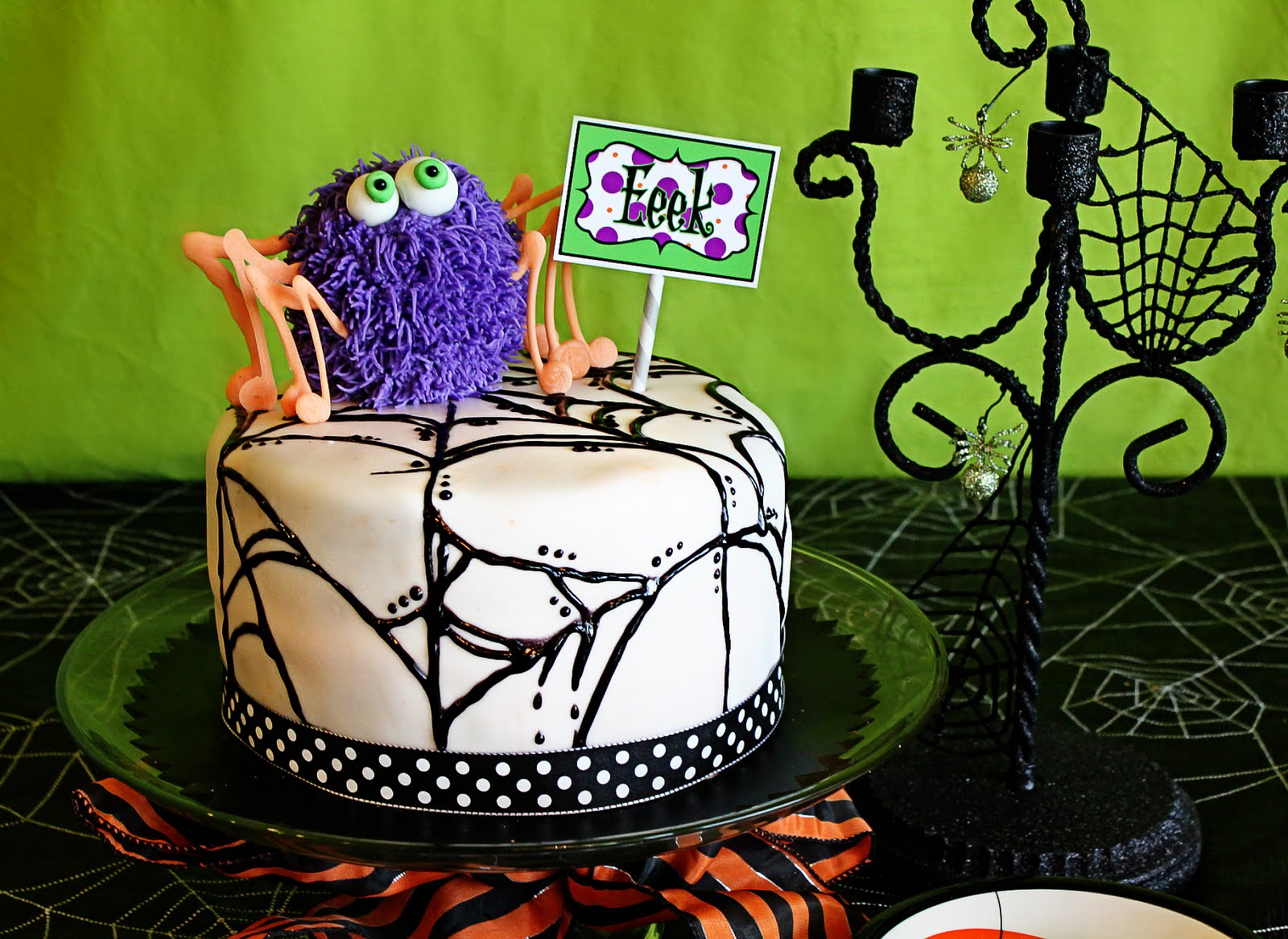 Deck The Holiday 39 S Make Your Own Halloween Polka Dot Cake