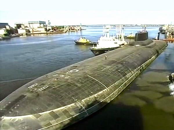 атомная подводная лодка в трехмесячном плавании расходует 3.33