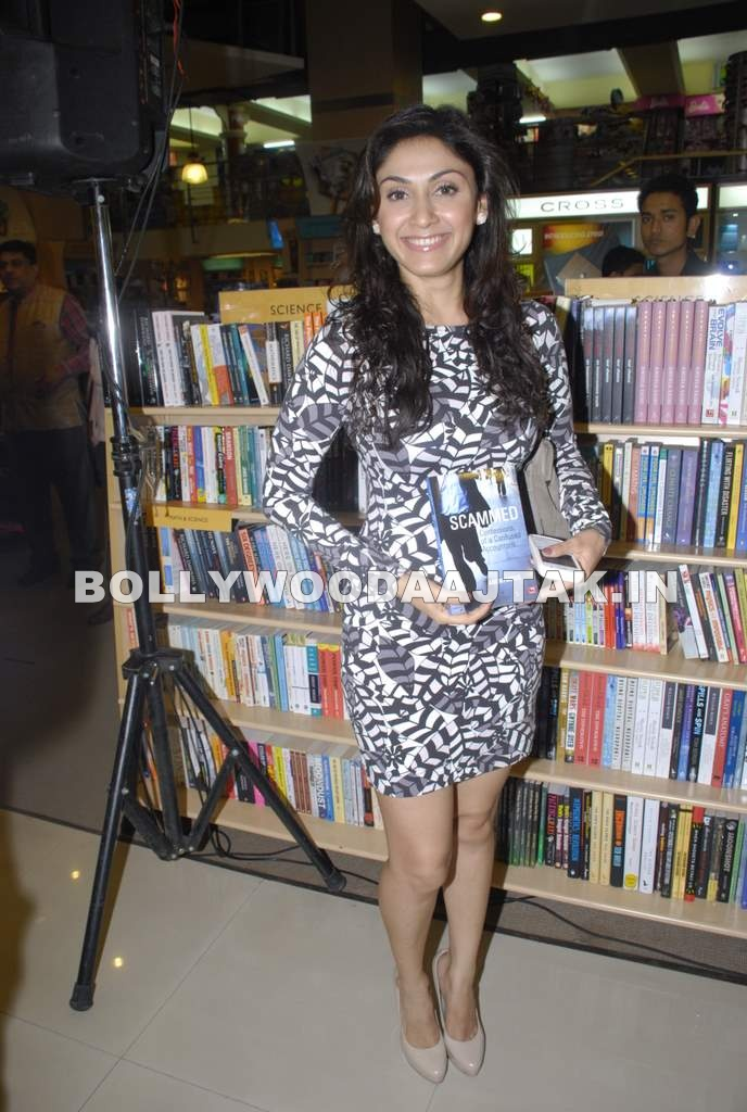 1 - Manjari Phadnis at Scammed book launch by Ahmed Faiyaz