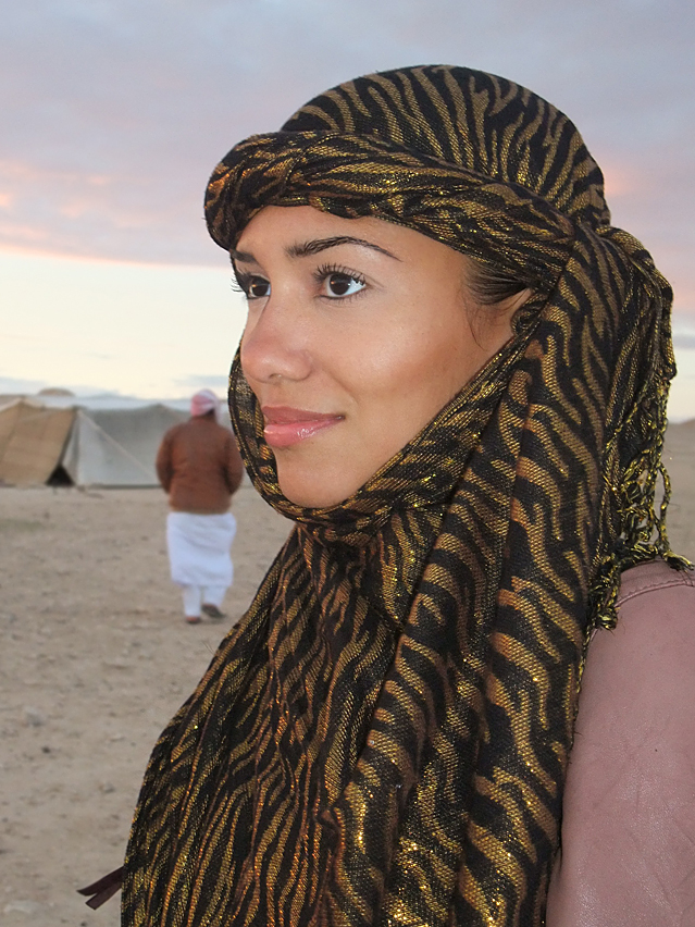 HowtoTieaHeadScarfjpg Book On How To Tie Head Scarves Book On How To Tie Head Scarves