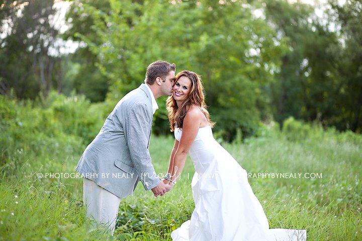 So stinkin cute wedding anniversary photo shoot