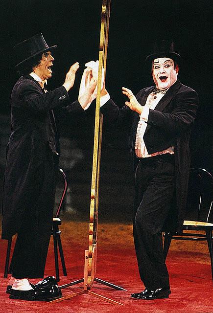 Circus bruno stutz des chicky 39 s photos de yvon kervinio for Le miroir brise