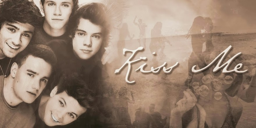 Kiss Me [1D FanFic] - SZÜNETEL!