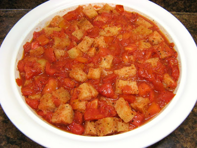 The Well-Fed Newlyweds: Scalloped Tomatoes with Croutons