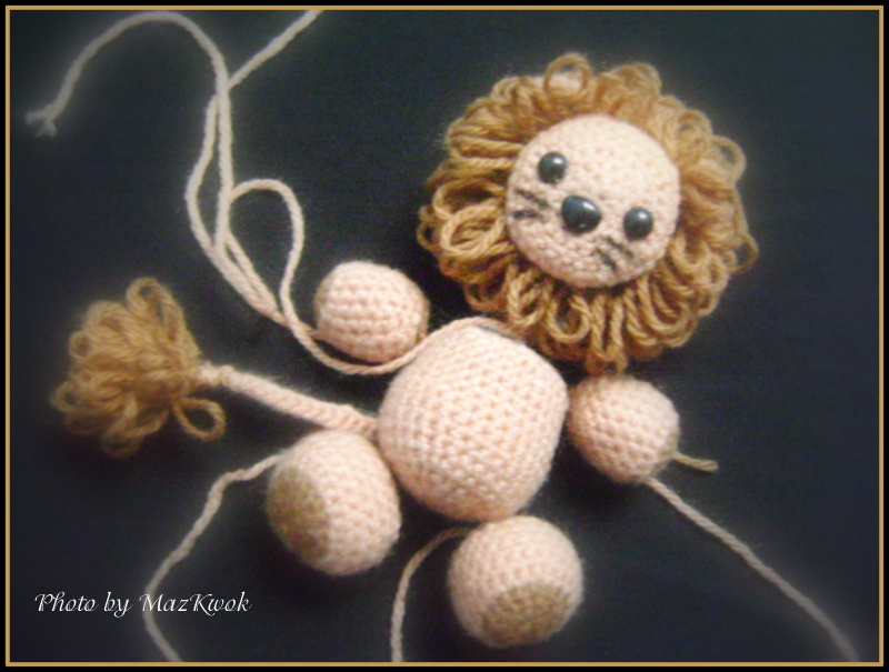 Amigurumi Lion Free : Tail : using beige yarn