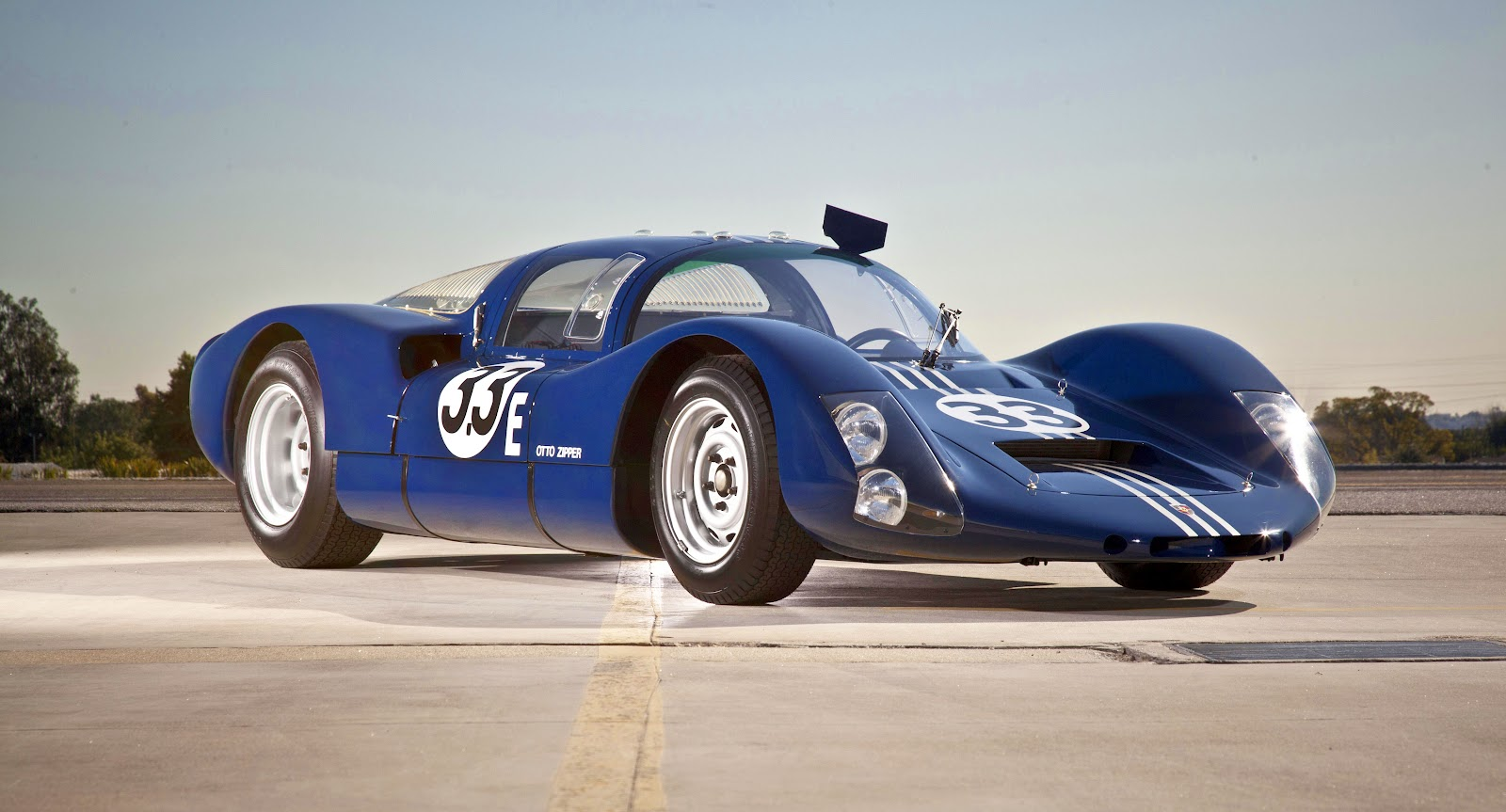 Porsche_906E_Racing_Coupe_1967_1.jpg