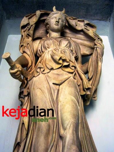 Kisah Dewi Bulan Selene Dalam Legenda Yunani