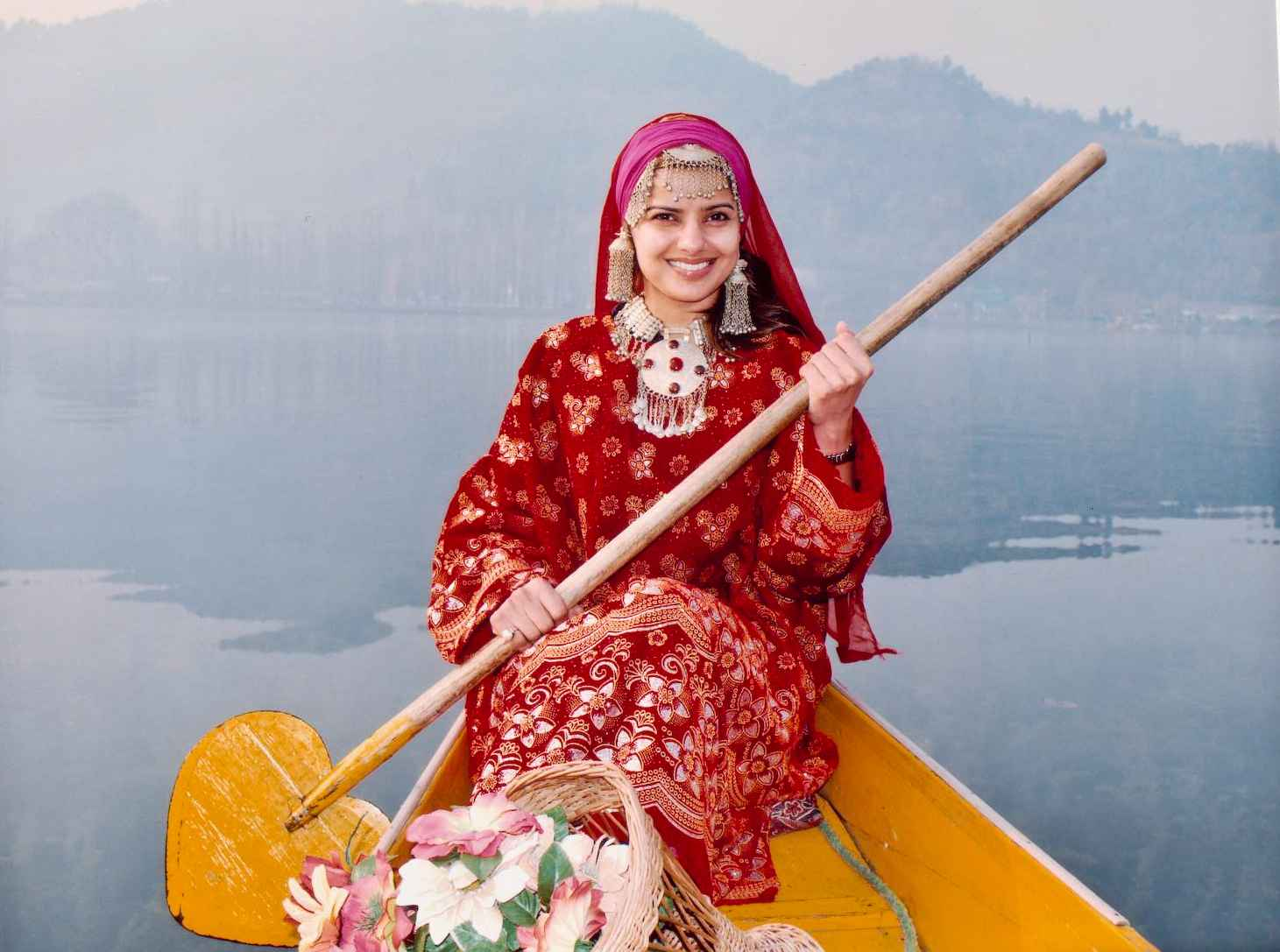Popular This Dress Was Introduced Into Kashmir By Akbar, Emperor Of India  Today, Kashmir Needs New Dimensions And New Kashmiri Man And Woman ,who Is