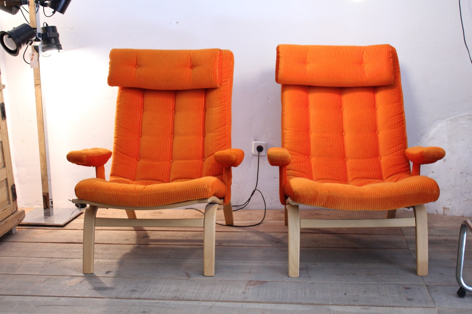 Vintage 4p tu tienda de muebles vintage en madrid for Colores vintage para muebles