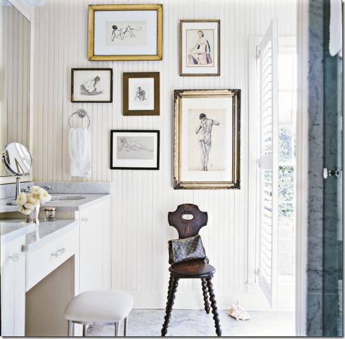 Multiples cuadros en el ba o comodoos interiores - Cuadros para decorar banos ...