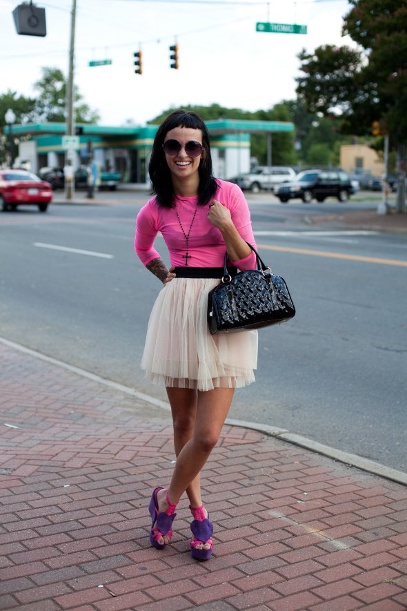 street style in charlotte, charlotte fashion, womens fashion in charlotte, north carolina street style, pink skirt
