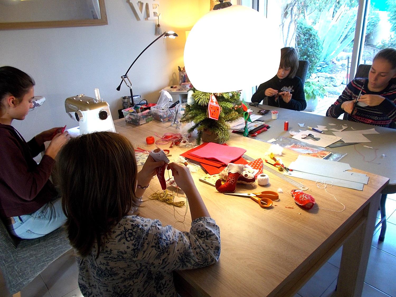 Id couture noel approche atelier sujets de noel for Fabrication de decoration de noel