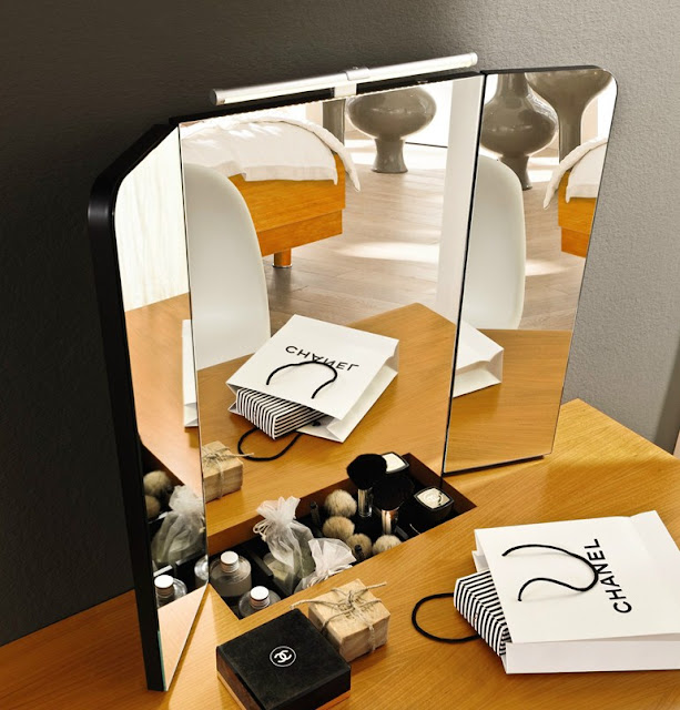 dressing table ideas, perfect makeup mirror
