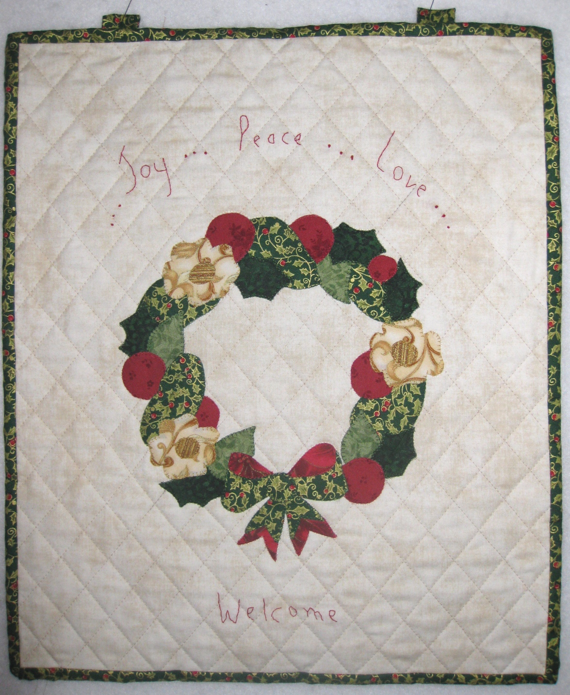 Pieced brain christmas wreath wall hanging