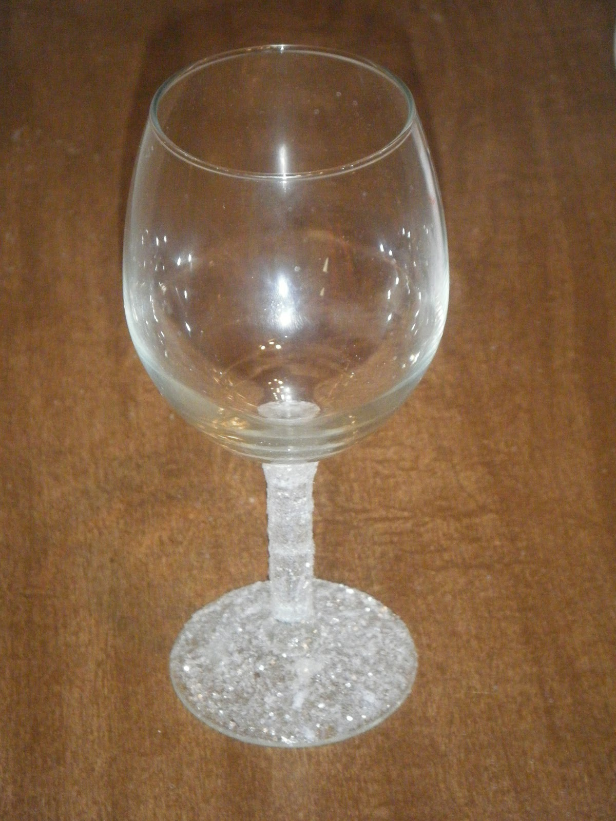 Diy doing it myself glitter stem wine glass How to make wine glasses sparkle