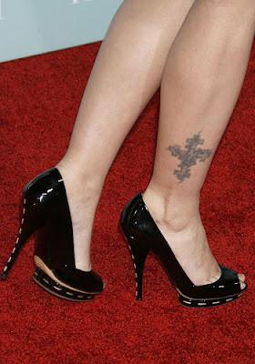 Drew Barrymore Tattoos