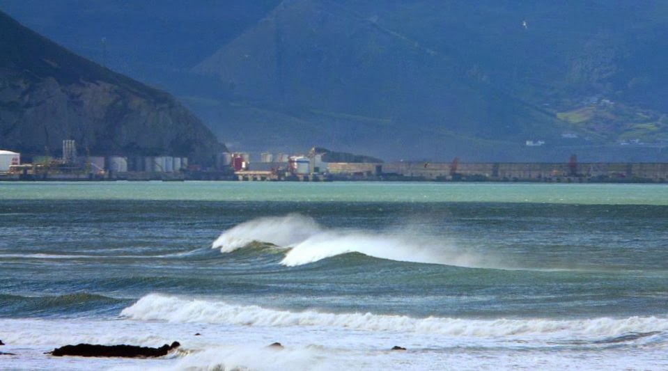 dia soleado y caluroso en sope sopela sopelana surf 03