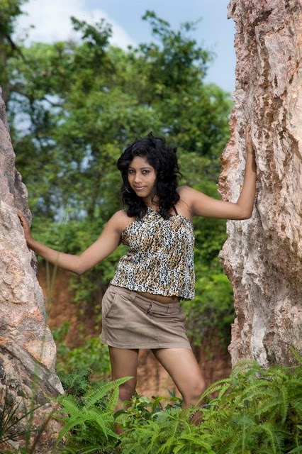 Sri Lankan Sexy Model Piyumi In Short Skirt